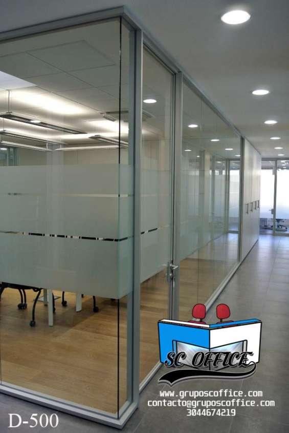 Abastecemos e instalamos divisiones para oficina y mobiliario