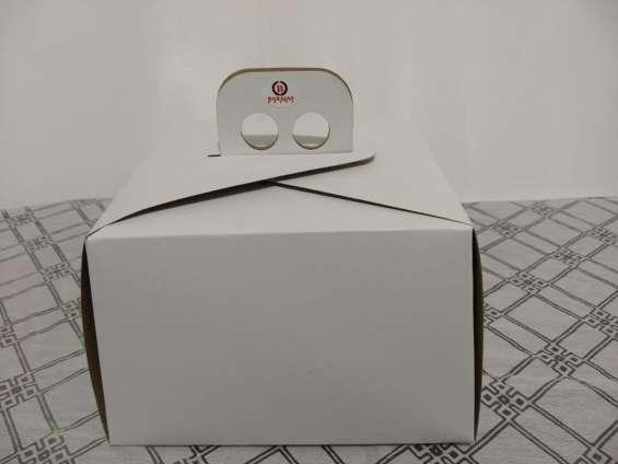 Caja blanca maletín