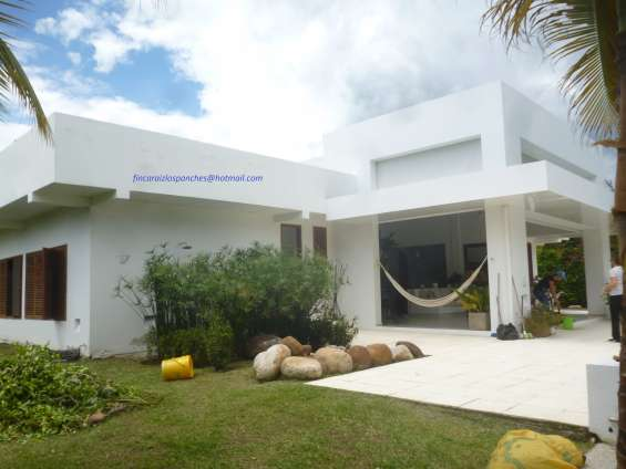 Ganga casa con piscina en condominio las acacias en anapoima
