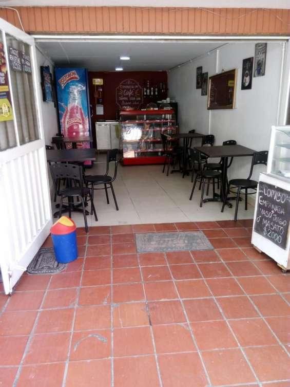 Fotos de Vendo enseres cafeteria 1
