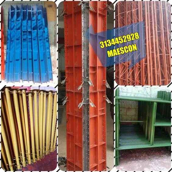Formaleta metálica, rieles o bordillos para construcción