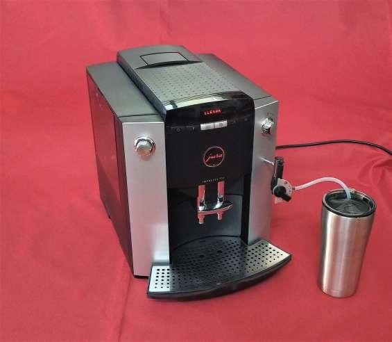 Maquina de cafe capuchinera semiautomatica jura impressa f 50