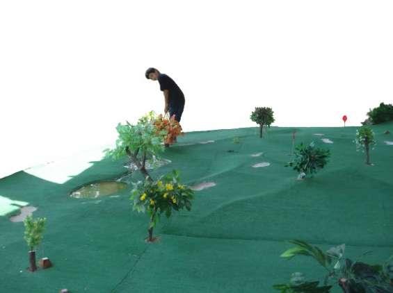 Construcción de minigolf o golfito