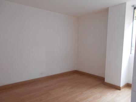 Fotos de Se vende apartamento en mirandela 3    cerca al cc santafe 11