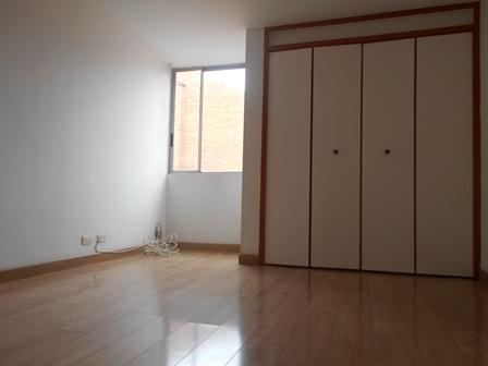 Fotos de Se vende apartamento en mirandela 3    cerca al cc santafe 9