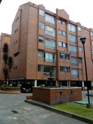 Fotos de Se vende apartamento en mirandela 3    cerca al cc santafe 2