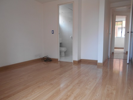 Fotos de Se vende apartamento en mirandela 3    cerca al cc santafe 8