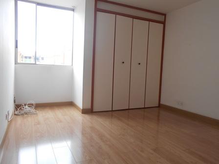 Fotos de Se vende apartamento en mirandela 3    cerca al cc santafe 7