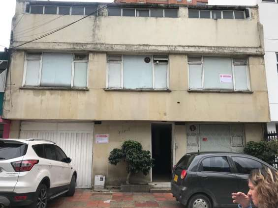 Arrienda casa 3 pisos para vivienda o oficinas