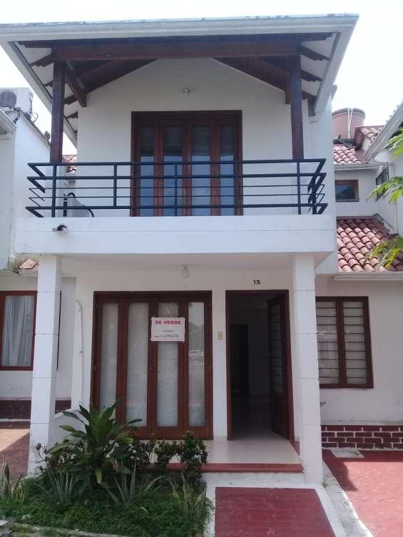 Venta casa conjunto balcones de sevilla